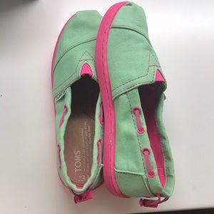 Girls Mint and Pink Toms
